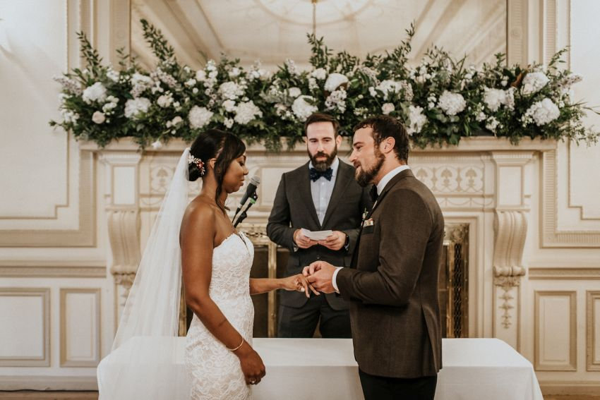 How much DJ cost on wedding in Spain
